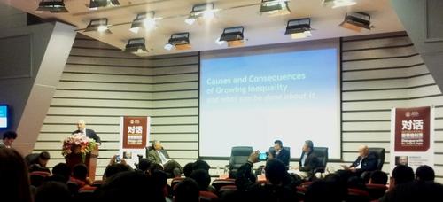 profesor Stiglitz, Tsinghua university, prednáška nobelistu