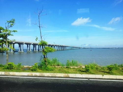 Most dlhý od vidím do nedivím. Čína v dĺžke mostov jednoznačne dominuje. Na ceste z Shenzhenu do Hong Kongu