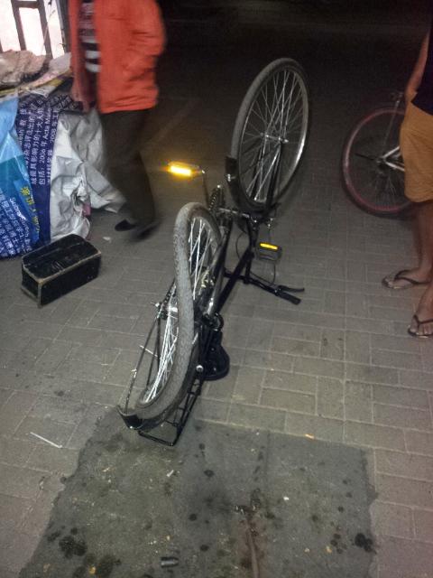 bicyklovanie v Pekingu, kampus Tsinghua University, Usman, čínsky bicykel